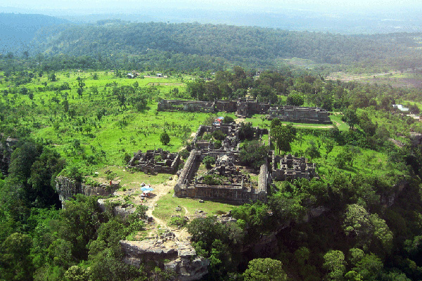 The ongoing battle with Cambodia over the ancient Hindu temple Preah Vihear has renewed the political fervour of the nationalist People's Alliance for Democracy (PAD), who threatened yesterday to hold street protests if the government failed to reject the jurisdiction of the International Court of Justice (ICJ).