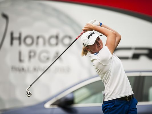 Stacy Lewis shot a 9-under 63 in the first round Thursday to take a three-stroke lead at the LPGA Thailand