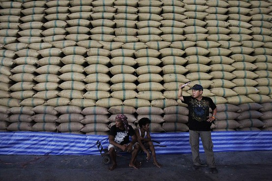 Few buyers willing to pay extra for Thai rice, the government has over 18 million tons in warehouses