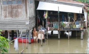 53,825 households in 786 villages of Phra Nakhon SI Ayutthaya's 122 subdistricts have been flooded