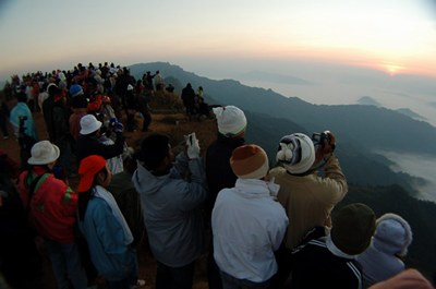 waves of tourists expected during the peak season