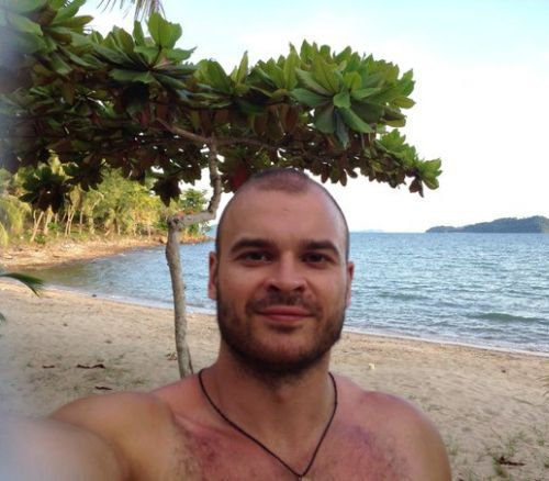 Photo posted by Martsinkevich to VKontakte with an alleged Thai beach in the background