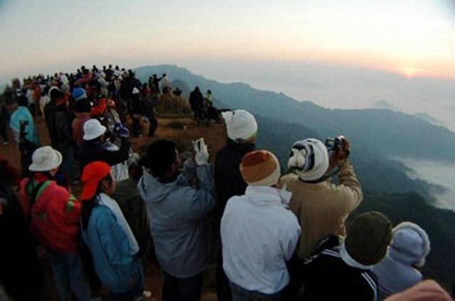 Tourists Flock to Northern Thailands Mountains to Experience the Cold Weather in Chiang Rai