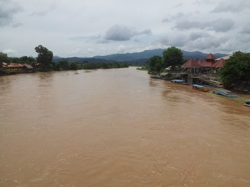 water level from the Kok River continues to increase steadily but has not overflown its banks yet