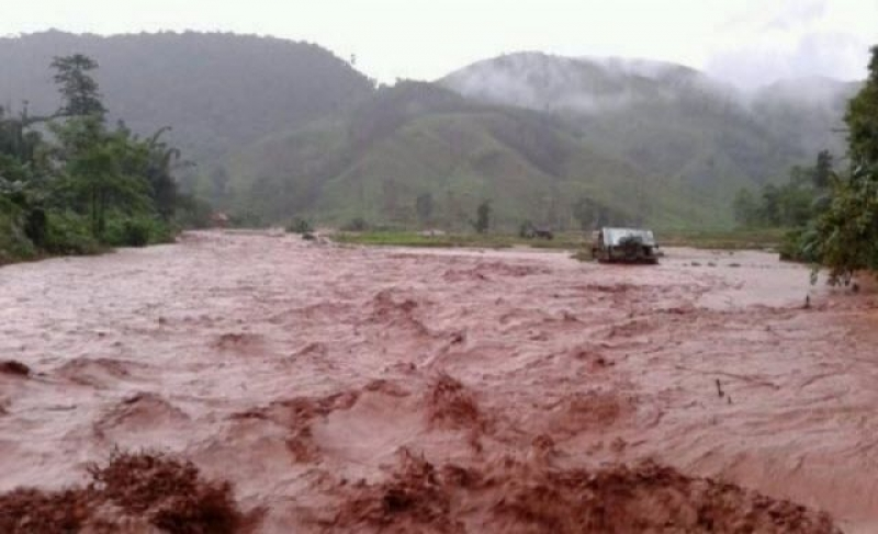 Continuing downpours in Thailand's northern region have prompted many areas to warn residents of possible flash floods and landslides.