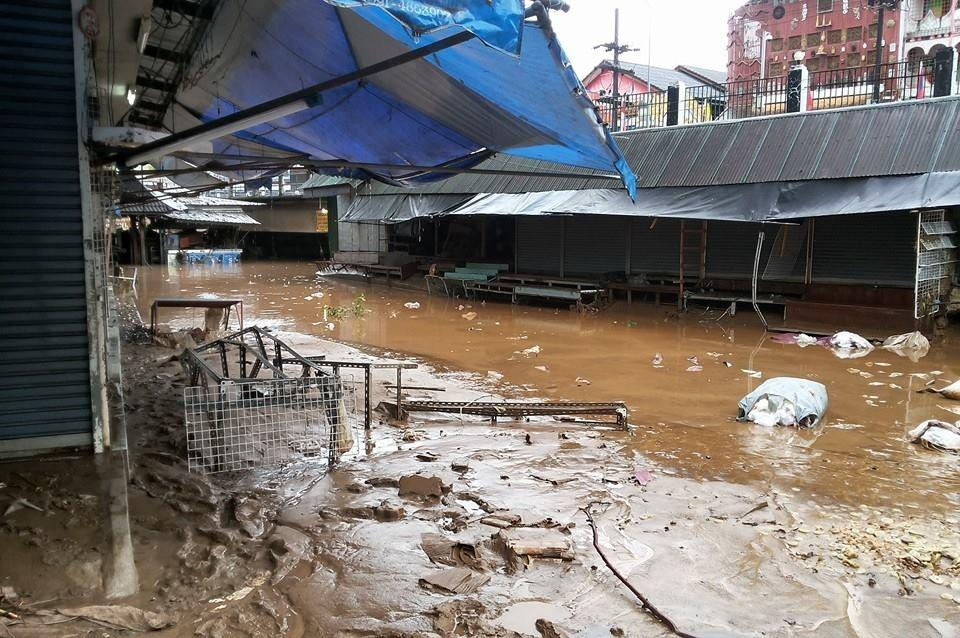 Border at Mae Sai in Chiang Rai was closed last night due to floods