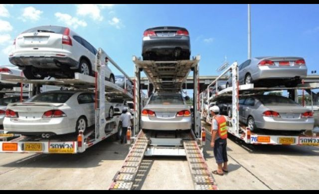 Leasing firms said bad auto loans had jumped 20-30 percent this year,