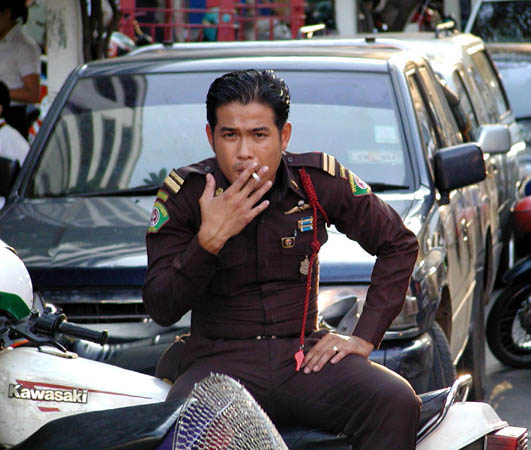 Fine of 200Baht for Smoking in Markets