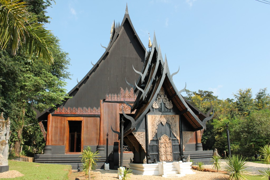 Baan Dam is a prime Chiang Rai attraction featuring a large works of art created the late National Artist Thawan Duchanee.