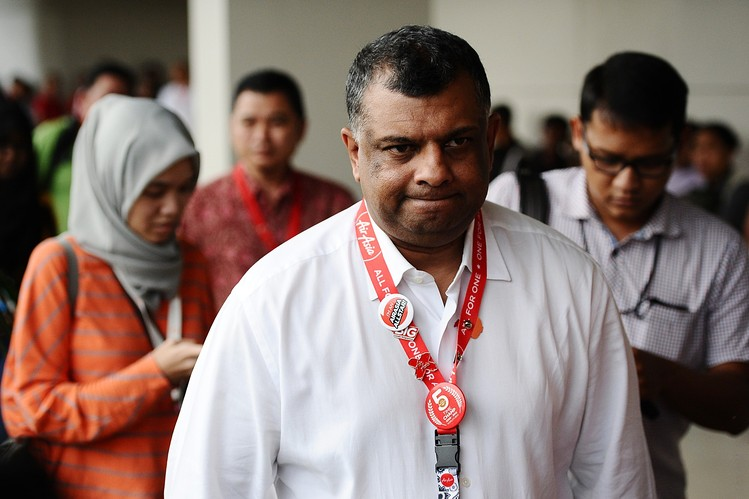 AirAsia chief Tony Fernandes has personally briefed the families of those on Flight 8501.
