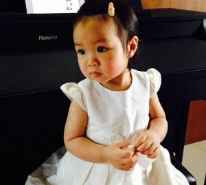 Matheryn Naovaratpong, from Thailand, is thought to be the youngest person ever cryogenically preserved Read more: http://www.dailymail.co.uk/health/article-3043272/The-girl-come-dead-Toddler-died-brain-tumour-FROZEN-parents-hope-one-day-revived-medical-advances.html#ixzz3Y8m3QVCc  Follow us: @MailOnline on Twitter | DailyMail on Facebook