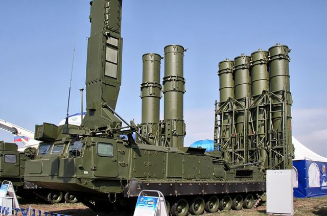 """The S-300VM """"Antey-2500"""" (NATO reporting name SA-23 Gladiator\Giant) is a Russian anti-ballistic missile system"""
