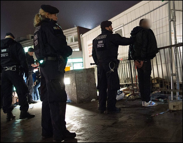 Syrians have been arrested in southern Germany for the alleged gang rape of two teenage girls on New Year's Eve,