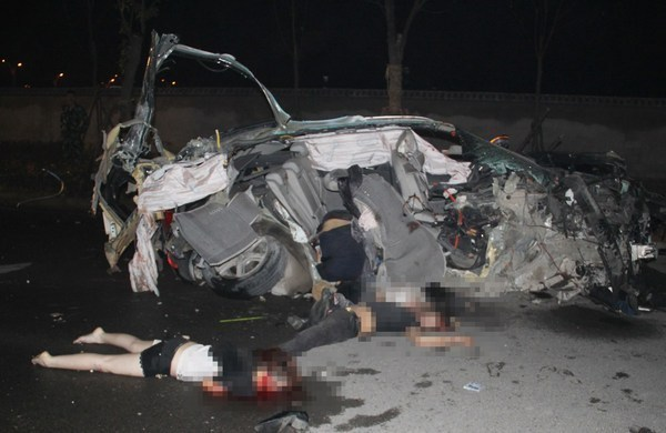 The Road Safety Centre has recorded 442 deaths and 3,656 injuries in road accidents nationwide during the so-called seven dangerous Songkran holidays that ended Sunday.