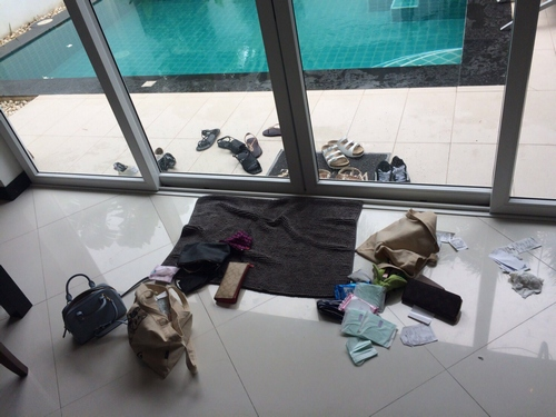 The Taiwanese tourists find their bags and purses scattered in their room the next morning. Photo courtesy of one of the victims.